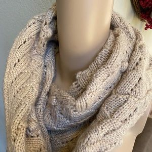 Gap chunky sweater infinity scarf